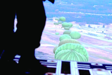 parachutes from aircraft