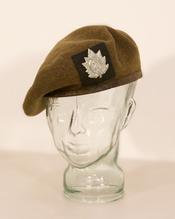 Canadian made 1944 Beret with QOR Badge and Backing