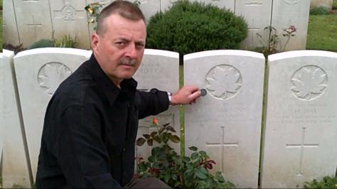 Hopkins, Ernest Eames gravesite Graham Jones visiting