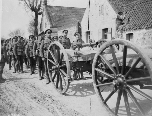 Machine Gun Section, 3rd Bn on the march August, 1918