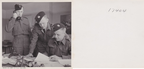 Officers Discuss plans England 1942